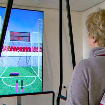 C-Mill Treadmill Uses Projected Graphics and Virtual Worlds to Improve Gait Stability