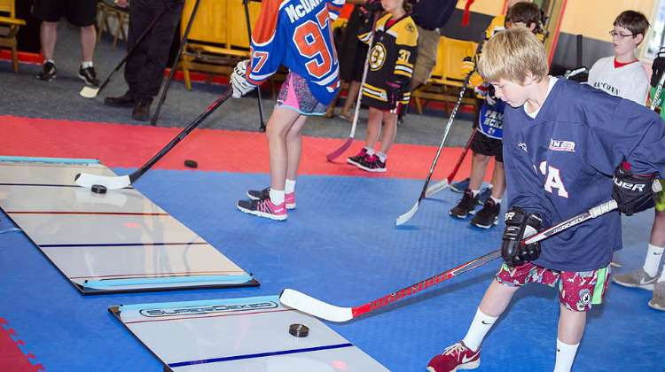 SuperDeker Helps Hockey Players Improve Their Passing and Stick Handling Skills